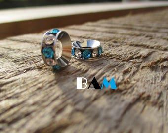Set of 2 blue and white rhinestone rondelles