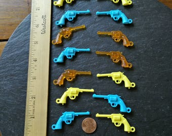 15+ vintage rockabilly rodeo cowgirl cowboy pistols plastic charm guns Westworld Partners in Crime birthday jewelry party 5 Mayo Mother gift