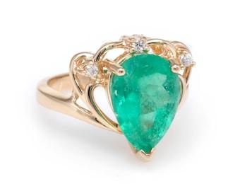 Pear Cut Columbian Emerald Diamond Ring Vintage 14k Yellow Gold Estate Jewelry