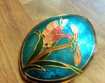 Oval shaped cloisonne enamel flower decorated brooch