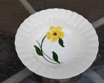 Blue Ridge Pottery Yellow Flower Open Vegetable Serving Bowl BRP191