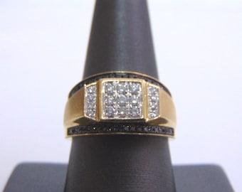 Mens Vintage Estate 10K Gold Ring w/ Diamonds 6.7g #E1733