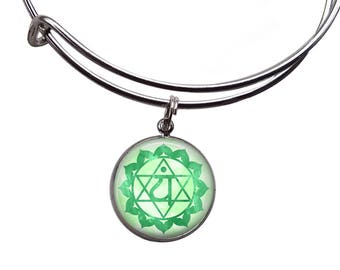 Heart Chakra Charm Bangle | Boho Bracelet Chakra Jewelry Chakra Bracelet Yoga Bracelet Green Chakra Meditation Jewelry Anahata Chakra Bangle