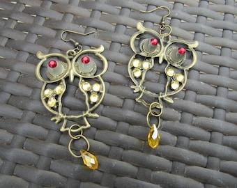 fantasy RPG Curious Owl earrings.