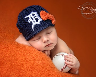 READY TO SHIP!!- The Original- Detroit Tigers Inspired Girls Newborn Crochet Newsboy Hat with Patch and bow / Photo Prop / Ready To Ship