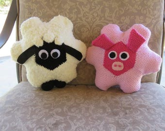 "Stuffed Toys ""A Sheep and a Pig"" Hexagon Pin Loom Weaving Pattern"