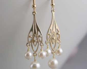Gold Earrings Bridal Jewelry Bridesmaid gift Chandelier Leaf Dangle Swarovski pearls Bridal party gift Maid of Honor Clip ons earrings