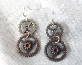 Steampunk  Earrings Antiqued Copper Gears (2c/s)