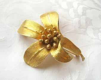 Vintage BSK Flower Brooch Goldtone
