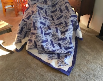 Blue and white lattice quilt
