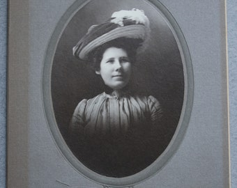 Ladies in Hats Cabinet Cards