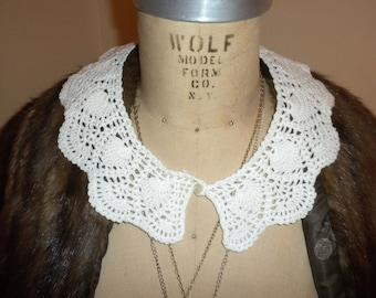VIntage Crocheted Ladies Collar