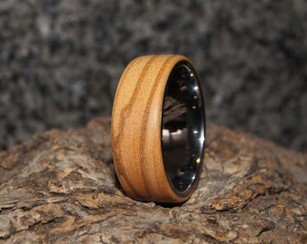 Olive & tungsten ring - size 13
