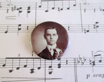 Vintage Young Man Mourning Pin