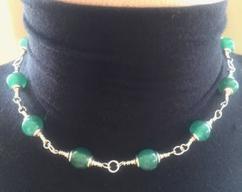 Green Peking Glass Necklace 16 ins long #b