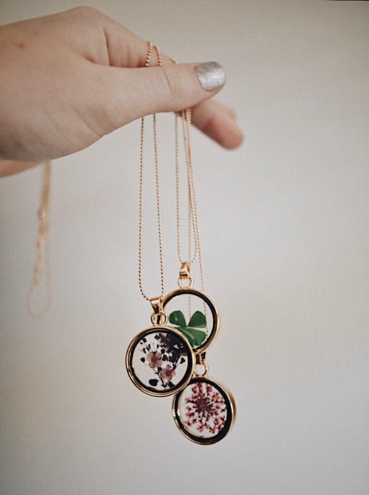 Pressed dried flowers pendant necklace nature jewelry description flower necklace mozeypictures Images