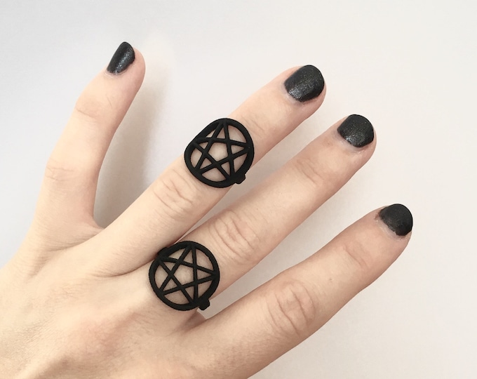Matte Black Pentagram Ring - Occult Jewelry - Pagan Jewelry - Witchy Jewelry - Star Ring
