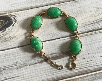 Beautiful Vintage Ancient Egypt Egyptian Style Jewelry Green Carved Lucite Scarab Beetle faux jade bracelet Egyptian revival