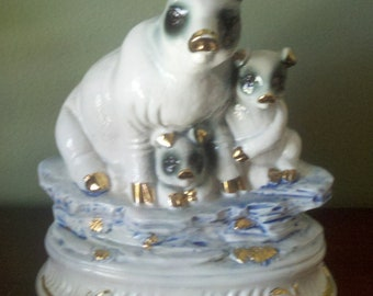 staffordshire family of pigs