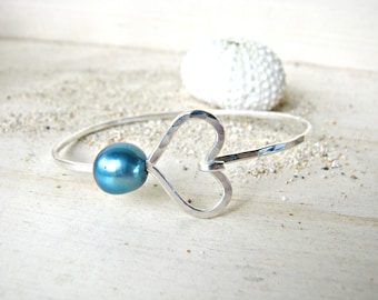 Silver Heart Pearl Bangle, Pearl Bangle Bracelet, Hawaii Pearl Bangle, Hammered Silver Bangle, Bridesmaid Gift, Blue Silver Wedding, Aqua