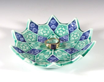 Lotus Flower Ring Dish - Emerald and Amethyst Ceramic Soap Dish - Trinket Dish - Ring Holder