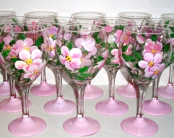 Bridesmaids Gifts Hand Painted Wine Glasses Set of 8, Free Personalization Pink Flower Maid of Honor Mother of the Bride Bachelorette Party