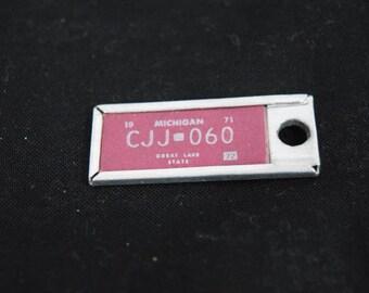 Vintage 1971 Michigan license plate key fob