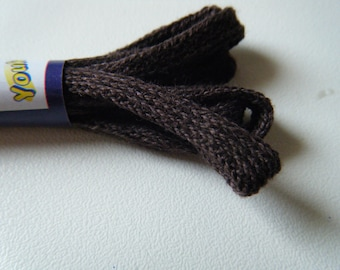 pair of flat cotton laces of Brown Shoe length 60 cm, 4 holes