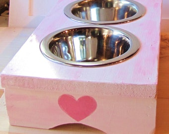 New Puppy or Kitten Raised Feeder in Pink or Blue