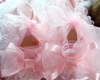 Pink newborn shoes, first walker shoes, baby shoes, pre walker shoes, pink baby shoes, newborn shoes, soft baby shoes, lace baby shoes