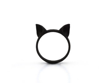 Cat Ears Ring in black - A black cat ears ring to adorn your hands