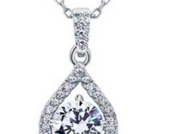 Diamond/Cubic zirconia pendant necklace