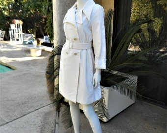 Vintage 1970's Main Street Trench Style White Evening Coat - Size Medium
