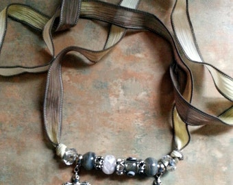 Beautiful Birds/Necklace/Bracelet/Silk Wrap