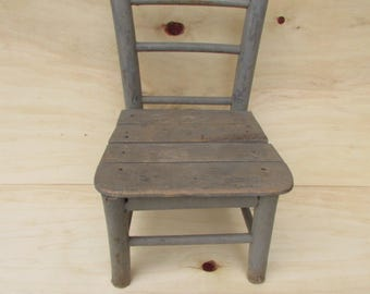 Old small wooden chair - Vintage wooden chair - Child chair - Wooden chair - Old decor - Old chair - Old handmade smal chair