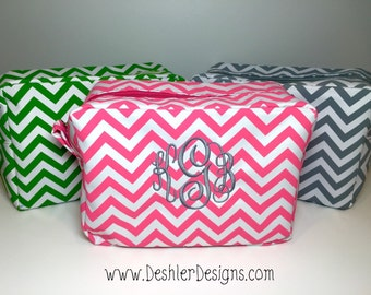 Monogrammed Chevron cosmetic bag, monogrammed chevron make up bag, monogram make up bag, monogram cosmetic bag, monogrammed cosmetic bag