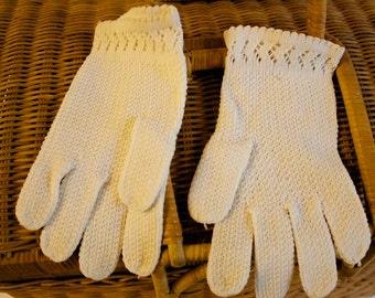 Vintage Knitted Ivory Gloves