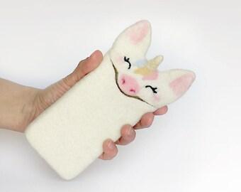 Unicorn case for iPhone 8, case for iPhone 8 Plus, felted white Unicorn, felt animal, handmade gift