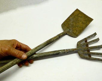 Mid-Century Child's Rustic Rake and Spade: Shabby Chic Garden Tools