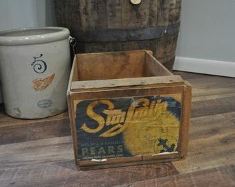 Vintage SunSmile Mountain Bartlett Pears Wood Crate