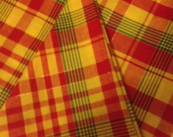 Round tablecloth in Madras