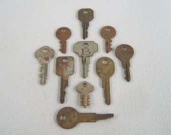 Vintage Keys Assemblage Jewelry Making Lot of Ten