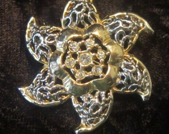 Vintage Gold Swirling Star Brooch