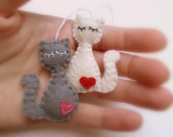 MINI Felt cat ornament - gift idea for cat lovers - small kitties - home decoration - Christmas decor - stuffing - handmade nursery room