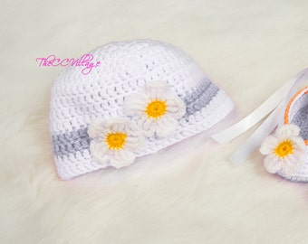 White Crochet Baby Hat, flower Girl Hat, crochet Cap, Crochet Beanie, with handmade white flower