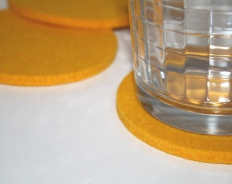 Yellow Round Wool Felt Drink Coasters for Drinks 5MM Thick Fabric Coaster Set EcoFriendly Housewarming Hostess Gifts Felted Barware