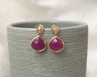 Gold flower earrings with magenta jade stone