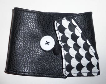 Black and white graphic checkbook cover in faux leather and cotton