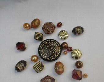 Assortment of 21 - acrylic beads Lot # 9