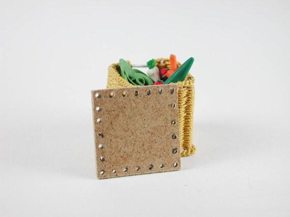 Board approx. 2.8 x 2.8 cm, for vegetable basket, bottle basket, floor for wicker, for the doll room, Dollhouse miniatures, model making